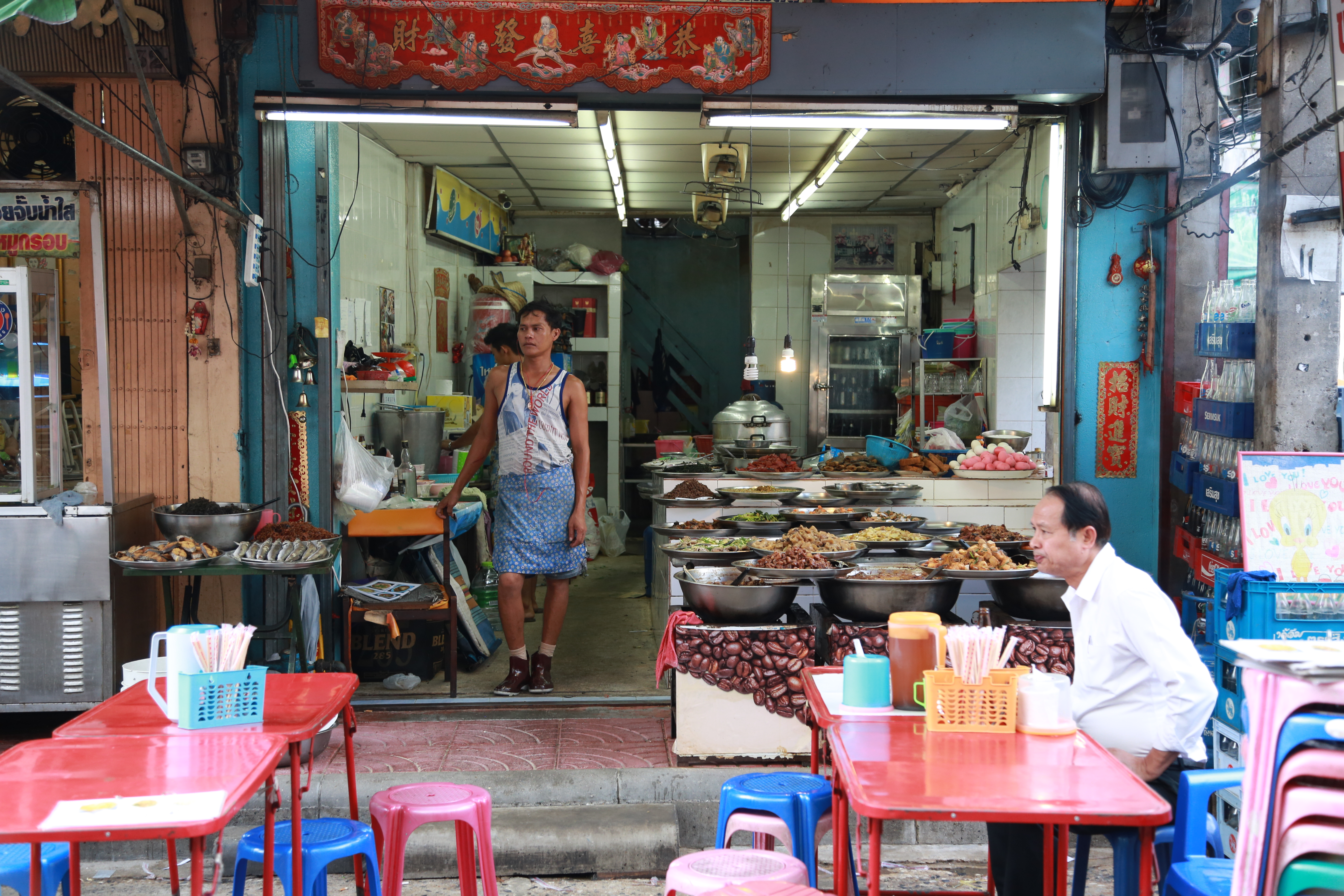 bangkok street food scene streetside bangkok. Black Bedroom Furniture Sets. Home Design Ideas